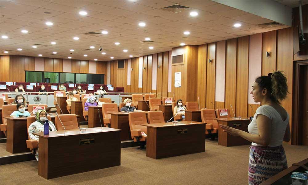 Kartal Belediyesi'nden personele psikososyal destek eğitimi