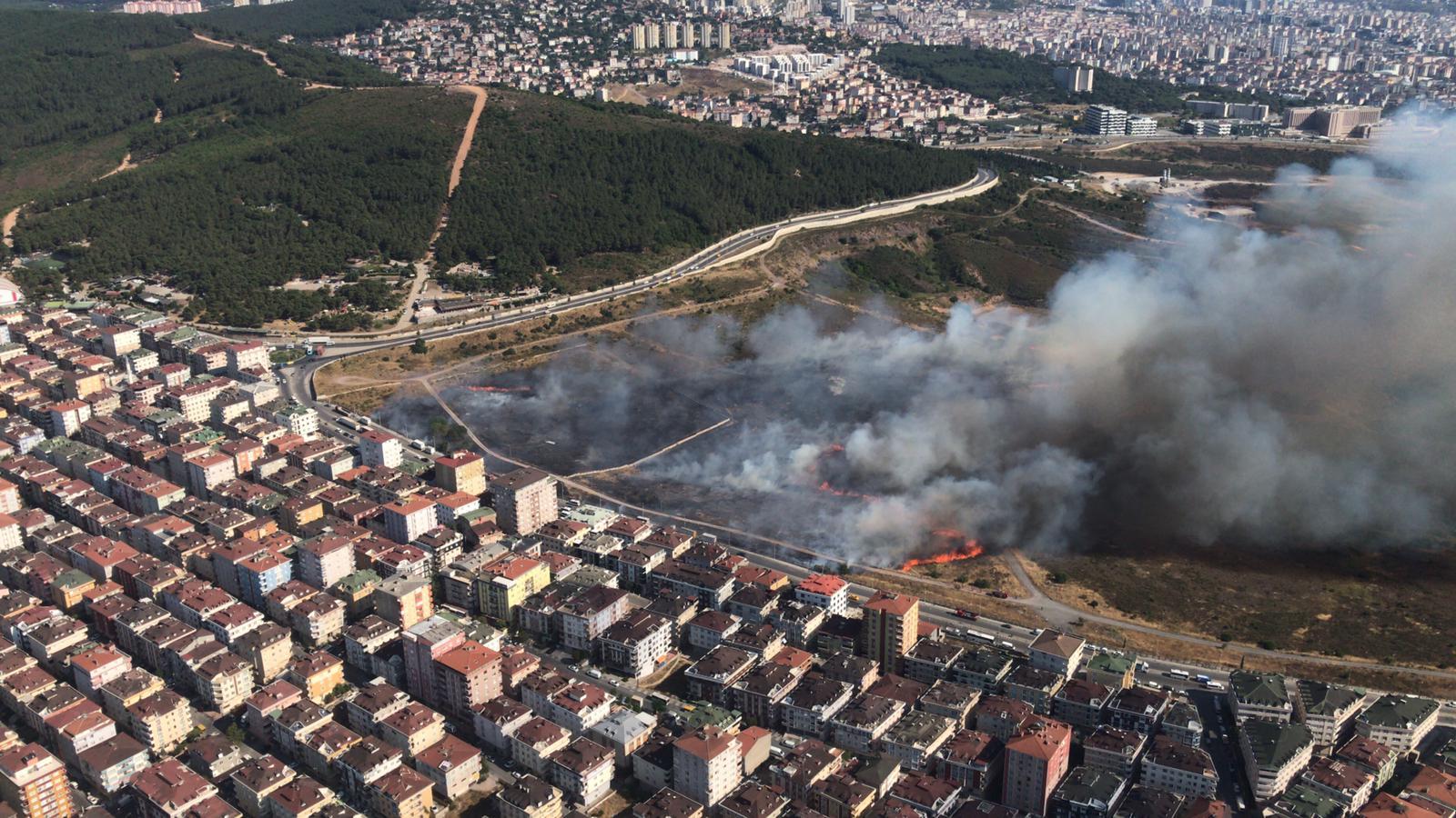 Maltepe'de askeriyeye ait alanda yangın