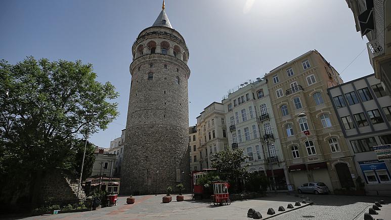 Bakan Ersoy'dan Galata Kulesi'ndeki tartışma yaratan restorasyon çalışmasına ilişkin açıklama