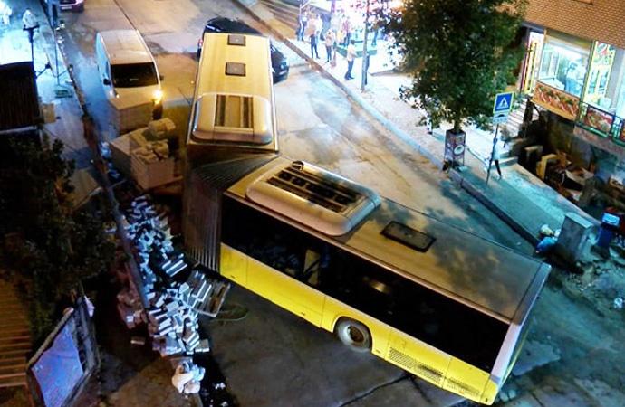 İETT otobüsü kontrolden çıktı!