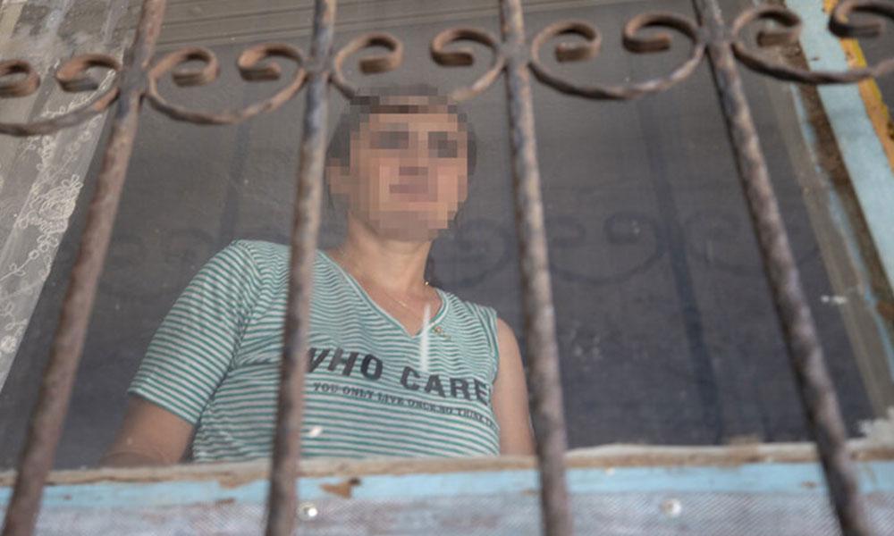 Ayrıldığı eşi tarafından öldürüleceğinden korkan kadın, kapı ve pencerelerini demir parmaklıklarla kapattı