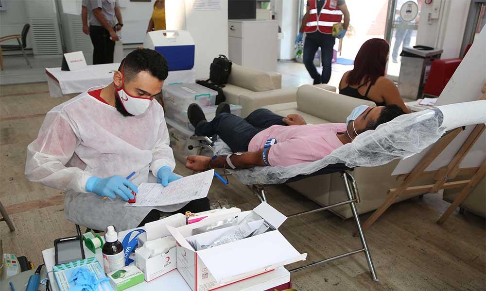 Efeler'den kan bağışı kampanyasına destek