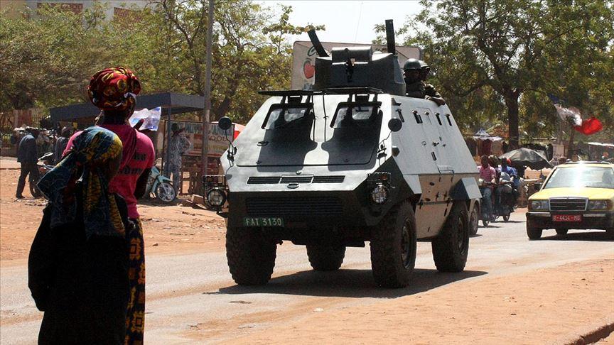 Askeri hareketliliğin yaşandığı Mali'de Cumhurbaşkanı alıkonuldu!