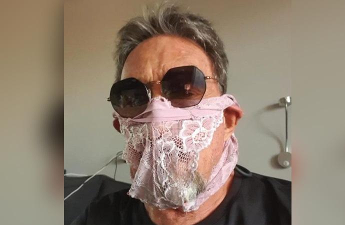 Maske yerine kadın iç çamaşırı takan tanınmış iş insanı gözaltına alındı