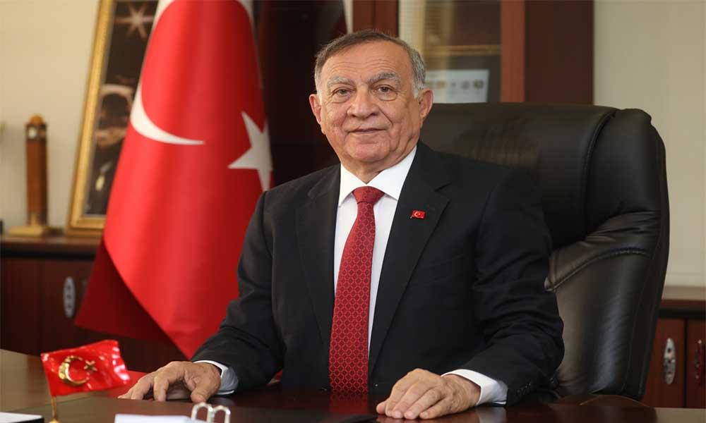 Akay'dan Zafer Bayramı mesajı: Atatürk'ün gösterdiği bilim ve akıl yolunda ilerlemeliyiz