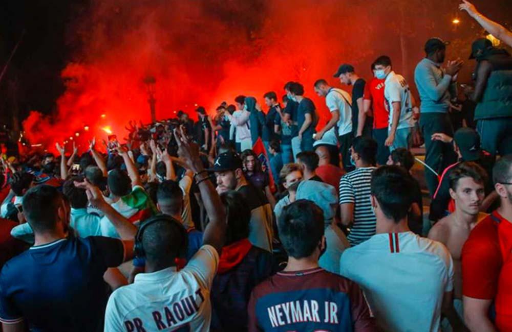 Fransa'nın Marsilya kentinde PSG formasına yasak geldi