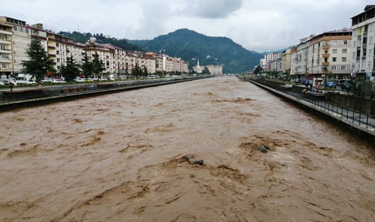Trabzon'da sel felaketi: 1 kişi hayatını kaybetti