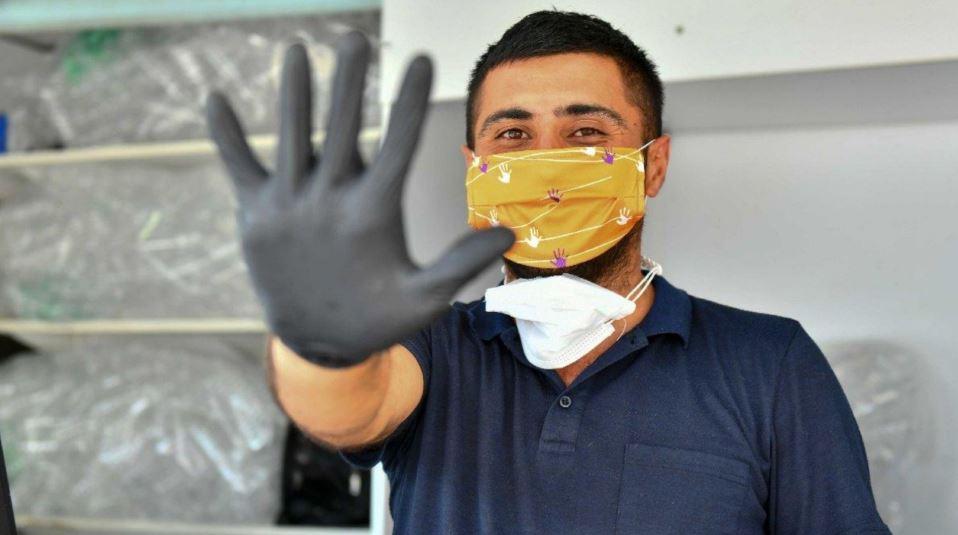 Ankara'da kadına şiddete karşı farkındalık için turuncu maske üretimi başladı