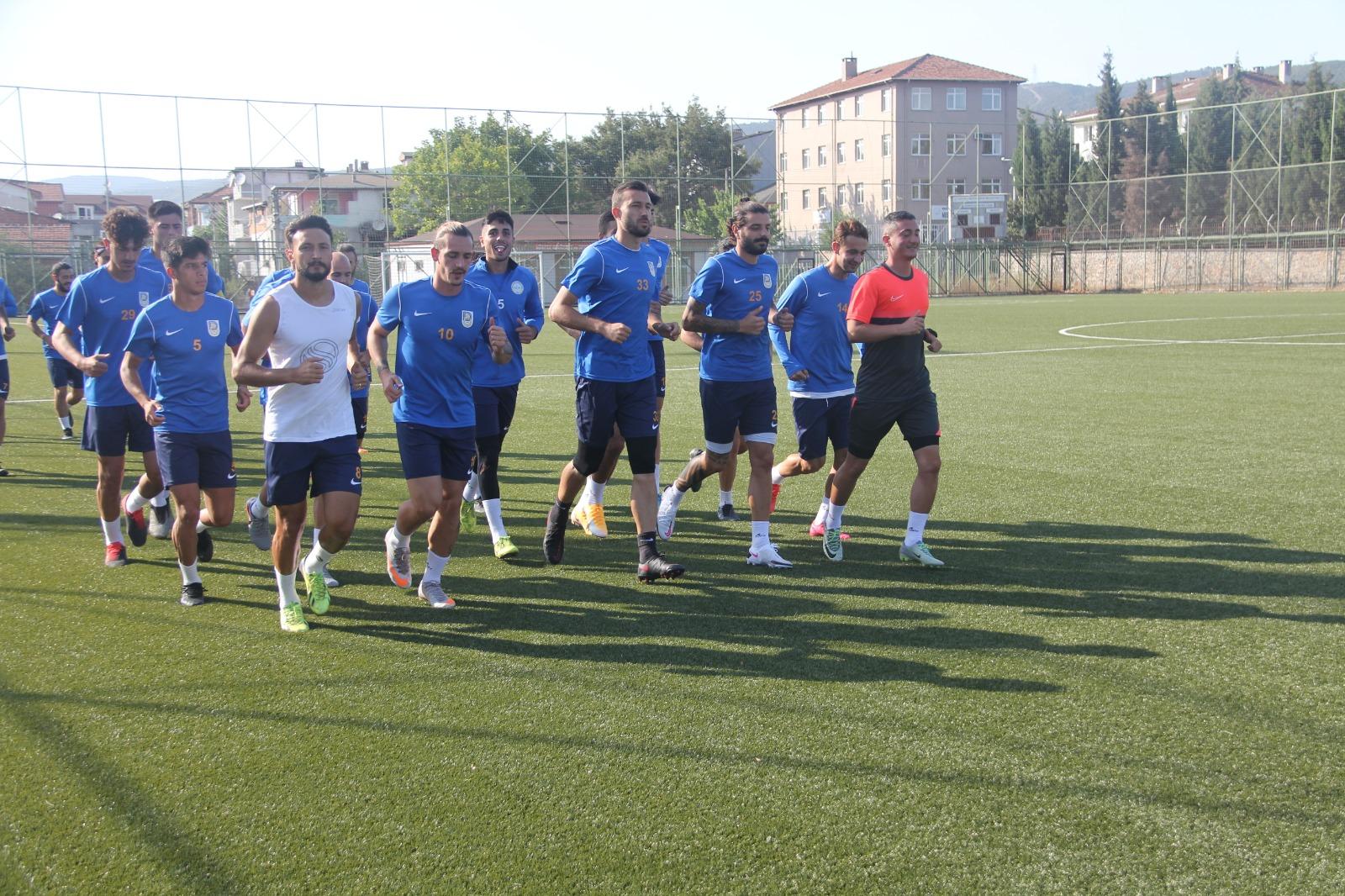 10 oyuncusu hasta olan takımın teknik direktörü: Kadroyu korona çıkarıyor