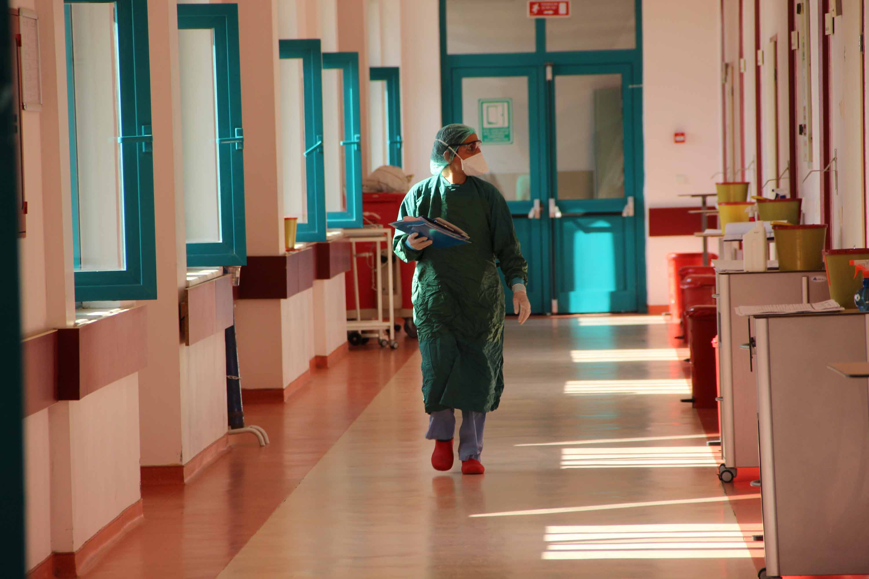 Koronavirüsü yenen aile hekimi: Çok üzülüyorum