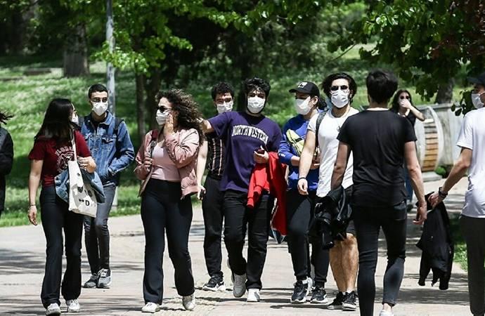 Karar yazarı Akyol: Hamaset ortamında yetişen gençlerimiz, imkan bulsa 'Yurtdışına giderim' diyor