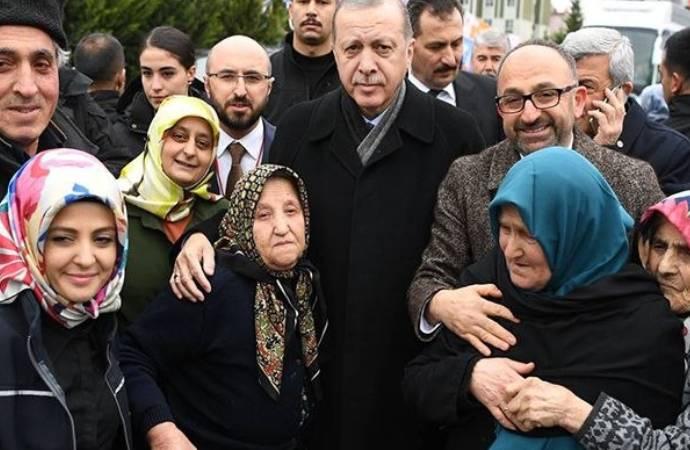 Erdoğan'dan teşkilat sorumlusuna talimat: AK Parti'ye katılan 100 yaş üzeri 40 nene ve dedenin adreslerini bulun