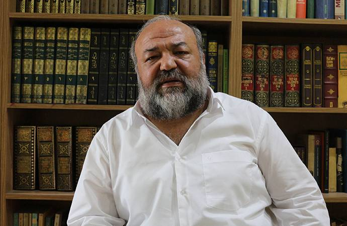 İhsan Eliaçık, tarikatların Kuran'a 'aykırı' olan özelliklerini açıkladı