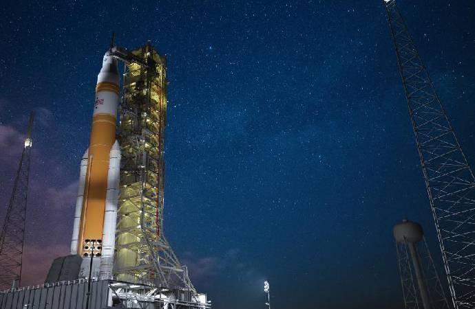 NASA, Mars'a düzenleyeceği ilk insanlı uzay uçuşunda neler göndereceğini açıkladı