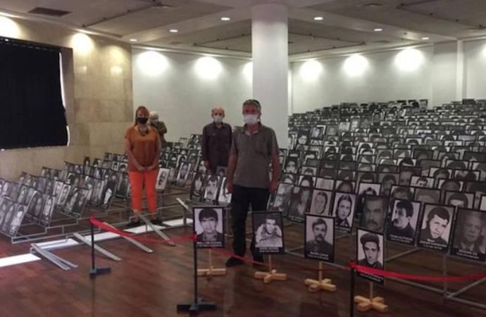 İzmir'deki 12 Eylül sergisine valilik engeli