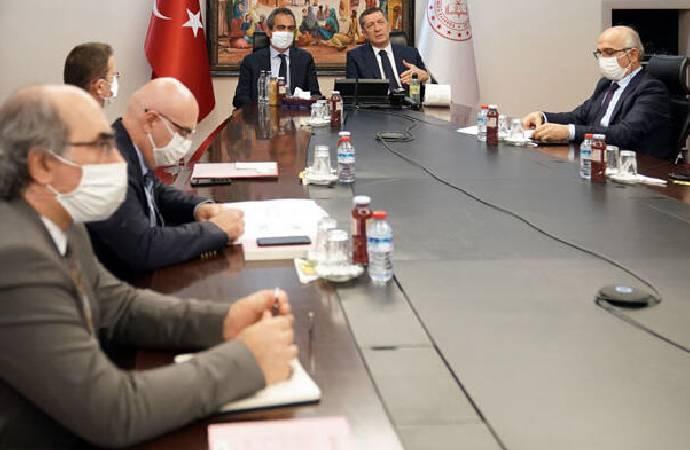 Bakan Selçuk, 81 ilin milli eğitim müdürü ile görüştü