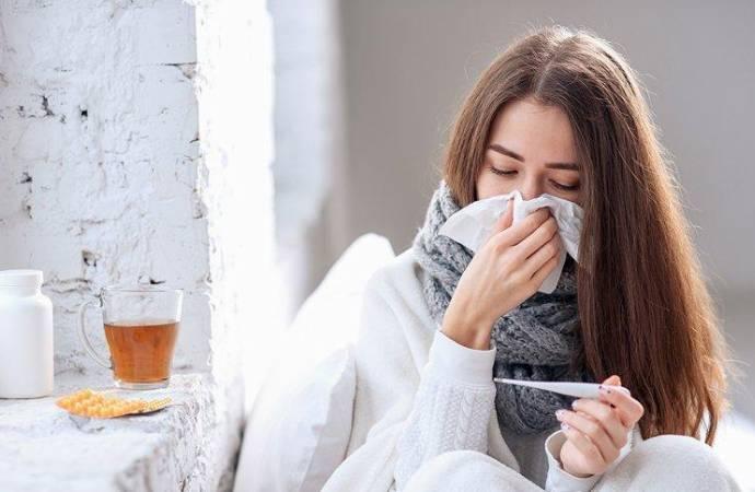 Uzman doktor, grip ile Covid-19'un nasıl ayırt edilebileceğini anlattı