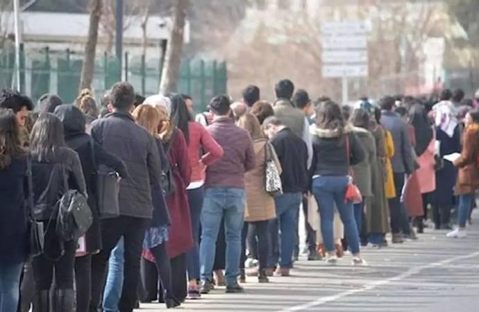 Salgın ve kapanan işletmelere rağmen işsizlik 0,4 arttı; uzmanlar verileri nasıl yorumladı?