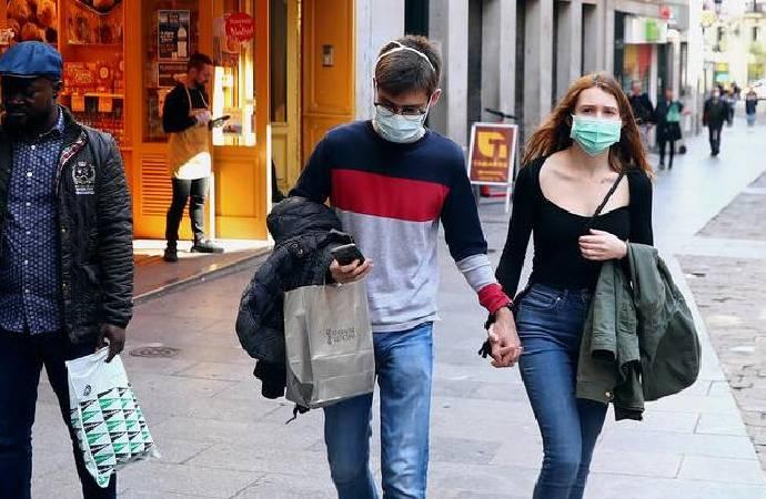 Madrid'de doktorlar greve çıkıyor