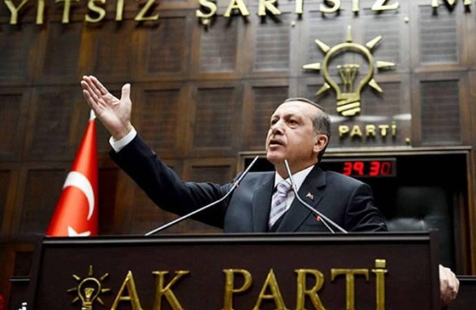 """""""İstanbul'daki yasaklar 'AKP'ye 100 bin üye' buluşması için ertelendi"""" iddiası"""
