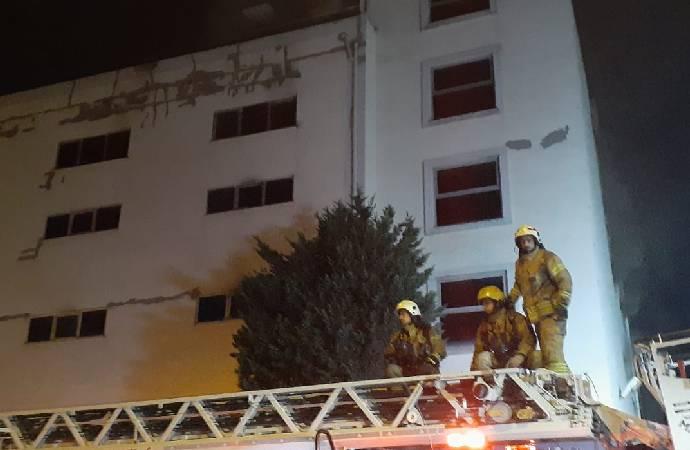 Beylikdüzü'nde tekstil fabrikasının deposunda yangın