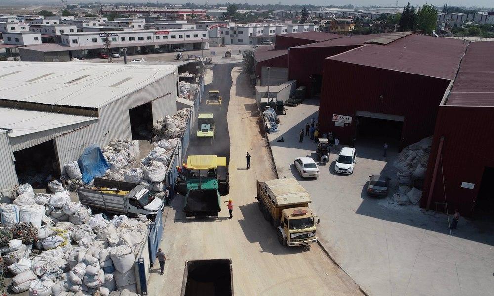 Büyükşehir'in asfalt hamlesi sanayi esnafının da işini kolaylaştırdı