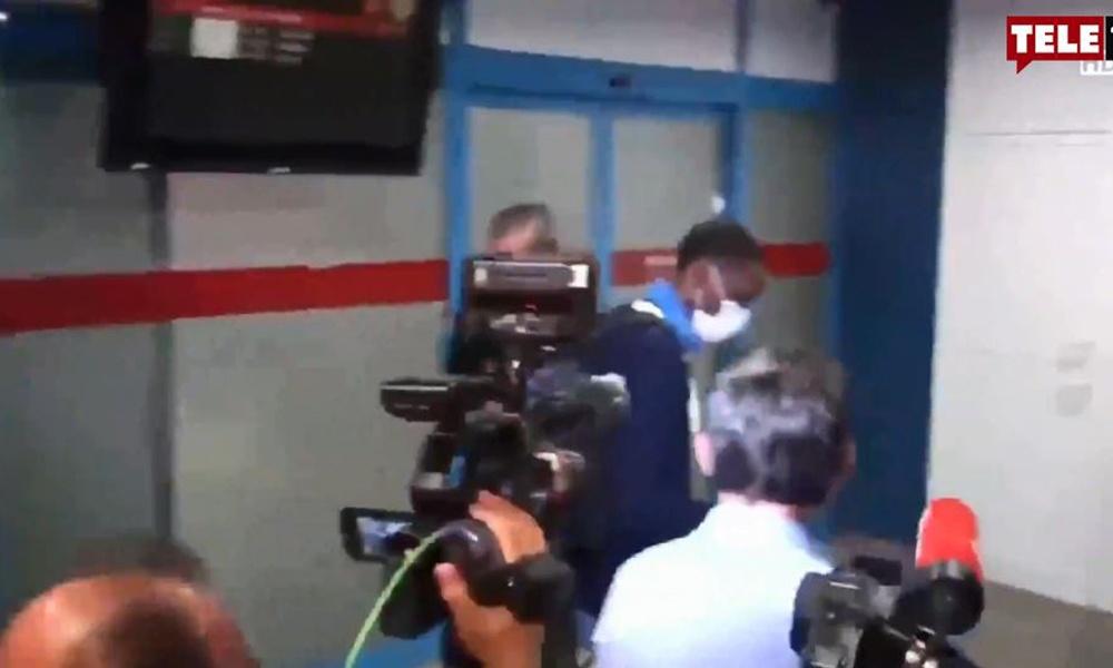 Trabzon'da yeni transfer Afobe'yi siyahi bir yolcuya karıştırdılar!