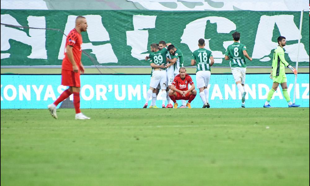 5 golün atıldığı maçta Beşiktaş'a Konya'da soğuk duş!