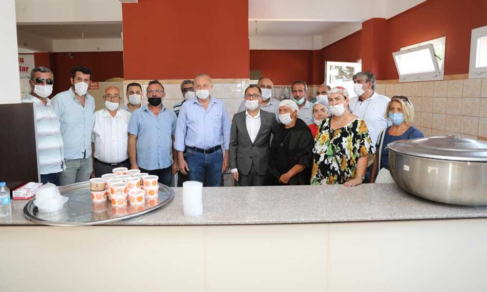 Başkan Atabay cemevinde düzenlenen aşure gününe katıldı