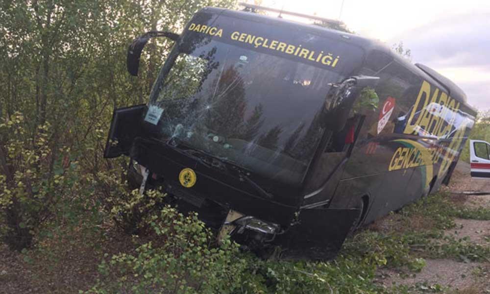 Darıca Gençlerbirliği'nin otobüsü kaza yaptı: 5 personel hastaneye kaldırıldı