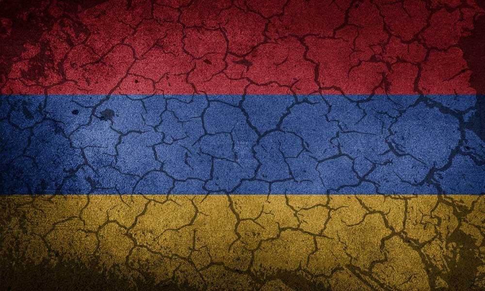 """Ermenistan'dan """"mevziden kaçanı vurun"""" emri"""