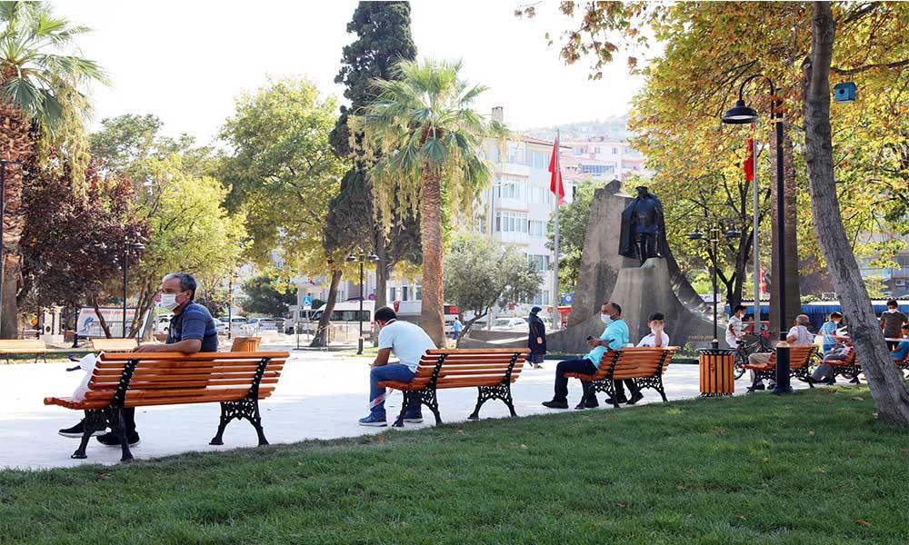 İskele Meydanı 12 Eylül Kurtuluş Günü törenine hazırlanıyor