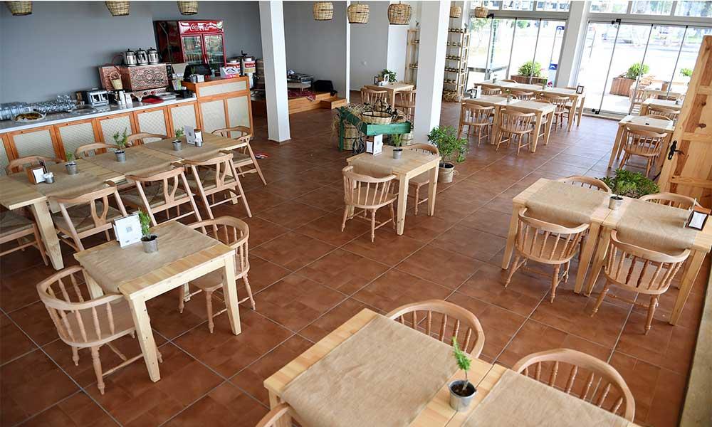 Her yöreden tatlar bu kafede!