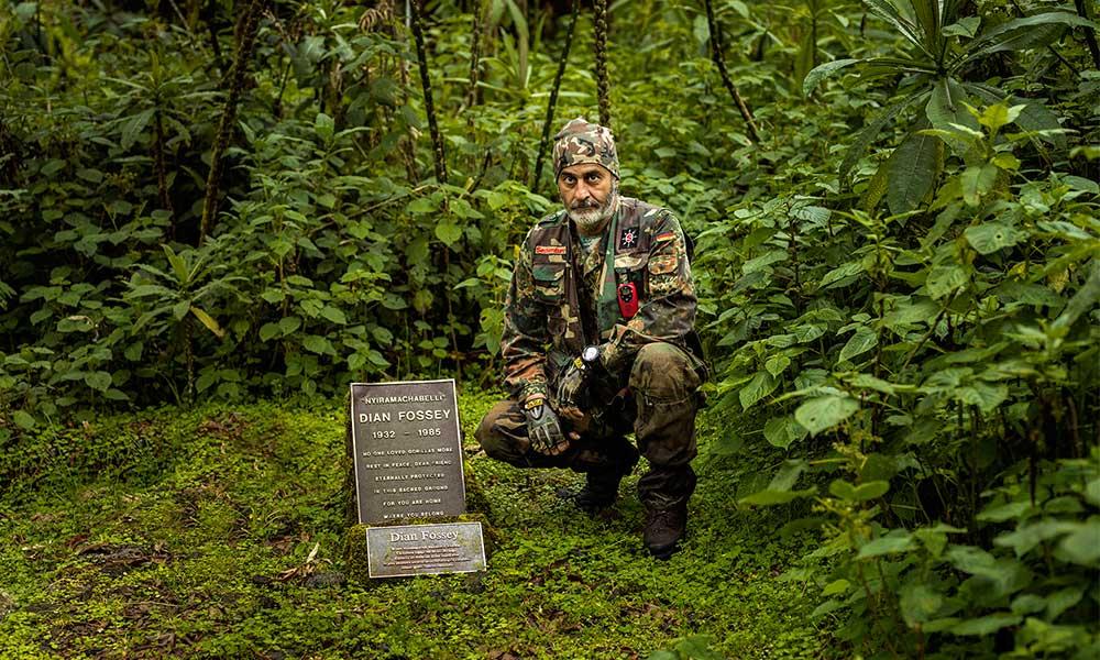 Dian Fossey, 3100 metrede yakın arkadaşı gorilin yanına gömüldü…