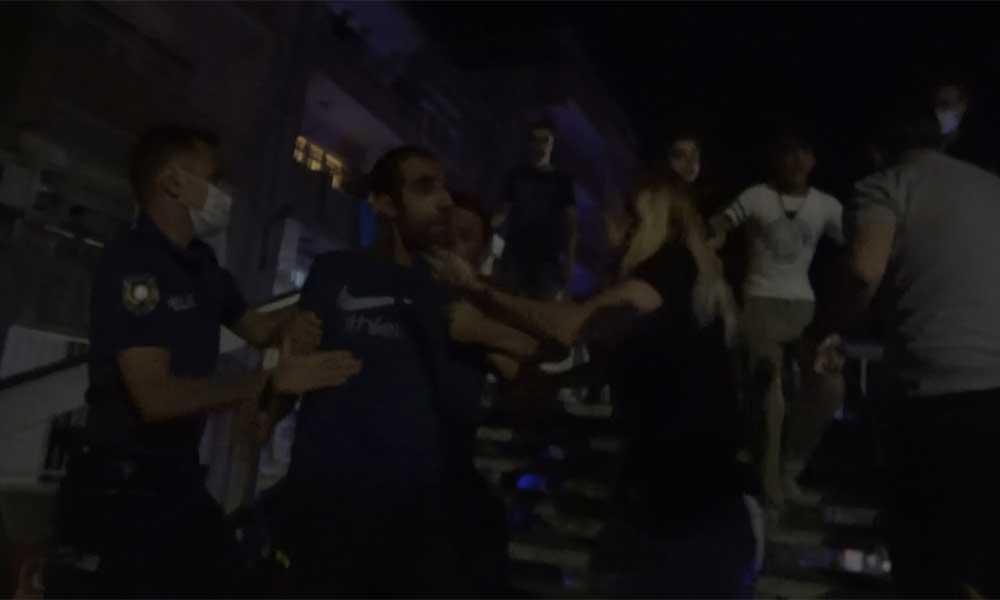 Karantinaya alındıkları evi ateşe verip gazetecilere saldırdılar!