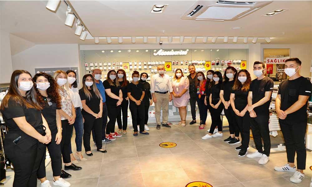 Başkan Atabay mağaza açılışına katıldı