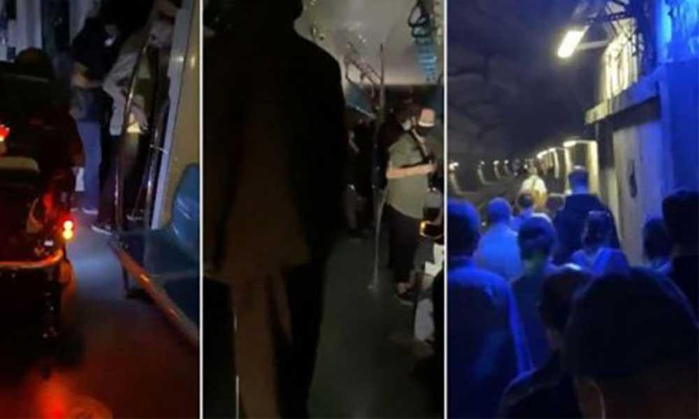 Marmaray'da yolcular korona tehdidiyle tünelde yürüdü