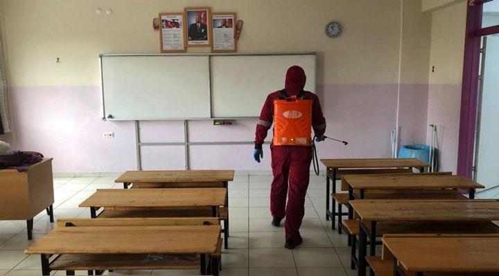 'MEB'in sorumluluğu yoktur' taahhütnamesi: 'İmzalamayan velinin çocukları okula alınmayacak!'