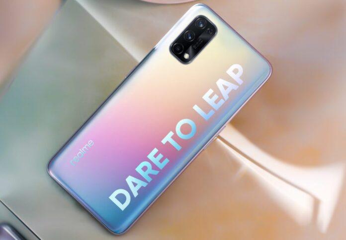 Realme hızlı şarja sahip telefonlar için gün sayıyor