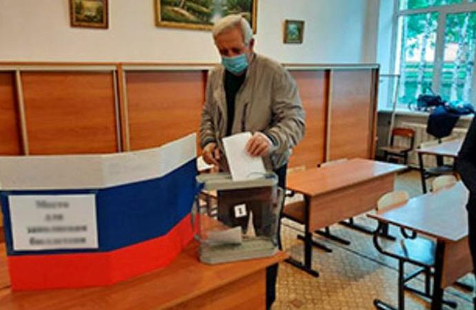 Rusya'da yerel seçim: Putin'in partisi zafer açıkladı!