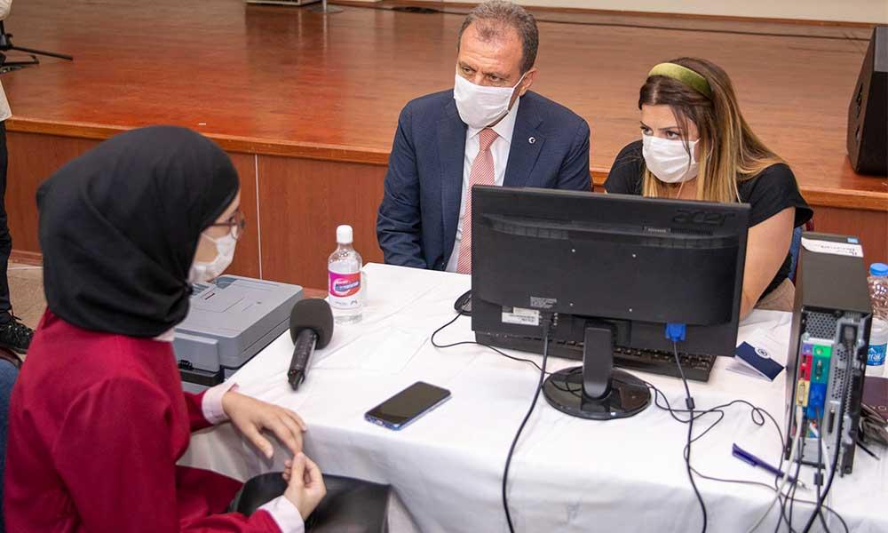 Semanur avukatlık hayaline Mersin Büyükşehir'le ulaştı