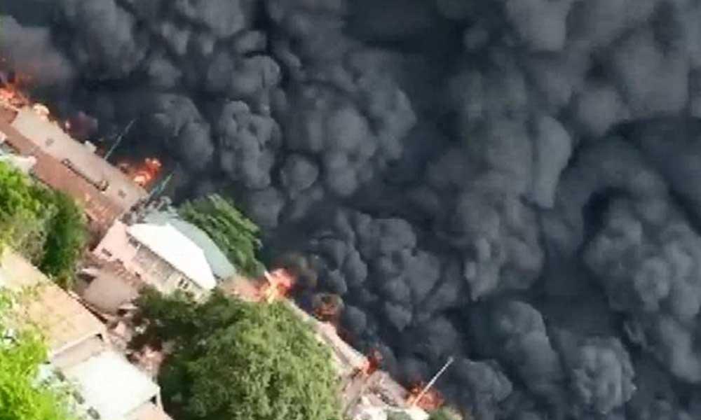 Nijerya'da yakıt tankeri patladı! Çok sayıda ölü var