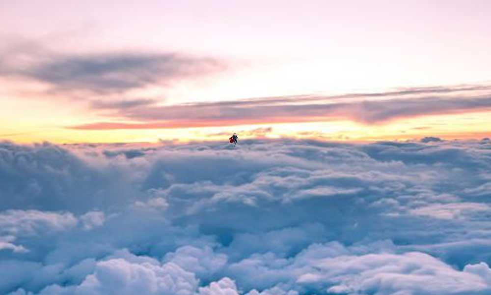 İki pilot 3 bin metrede uçan insan gördü