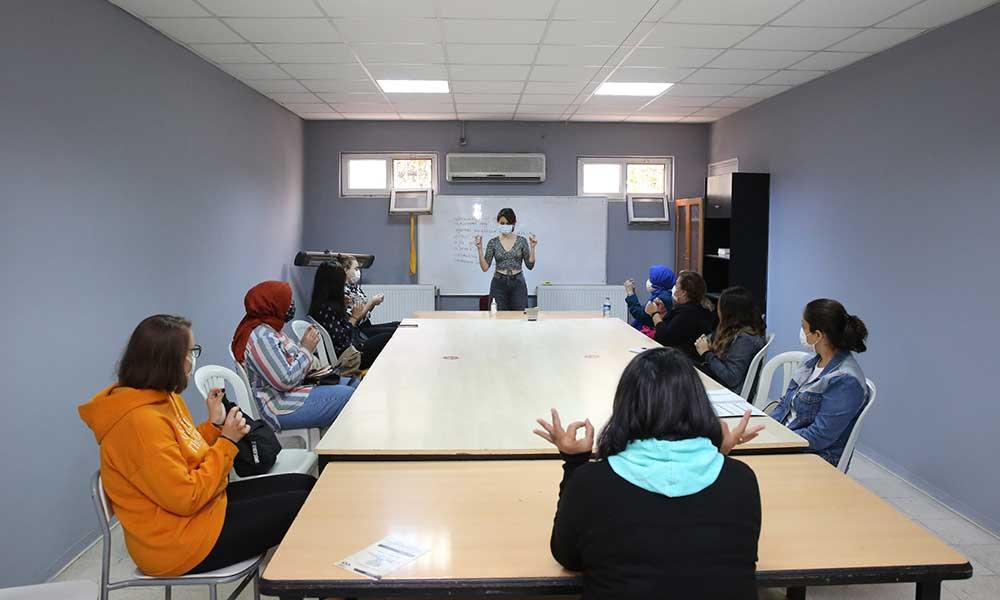 Buca Belediyesi kurslarına kadınlardan yoğun ilgi