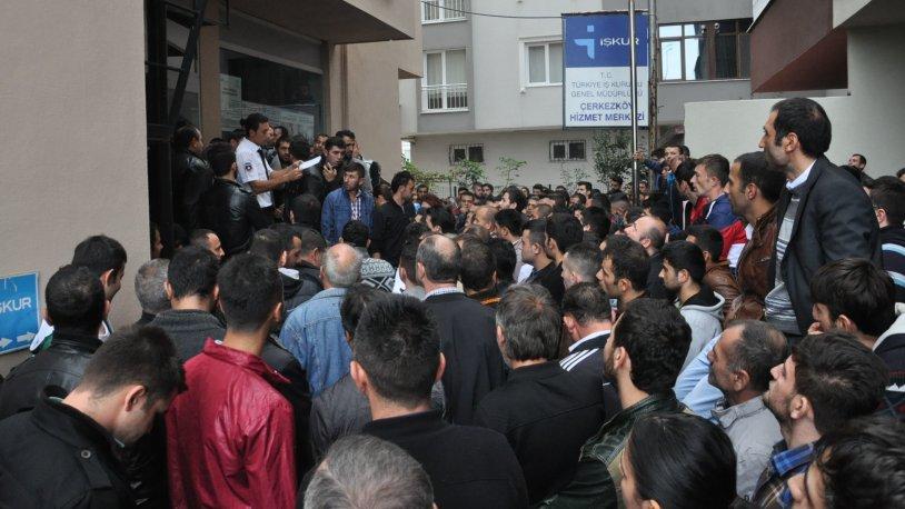 AKP'liye işsizlik de yok!