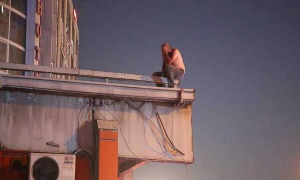 Mallarına el konulan işportacı 'açım' diyerek intihar girişiminde bulundu