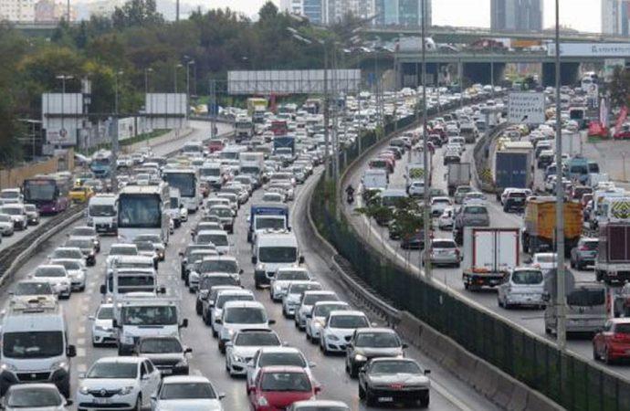İstanbul'da tatil nedeniyle trafik yoğunluğu yaşanıyor