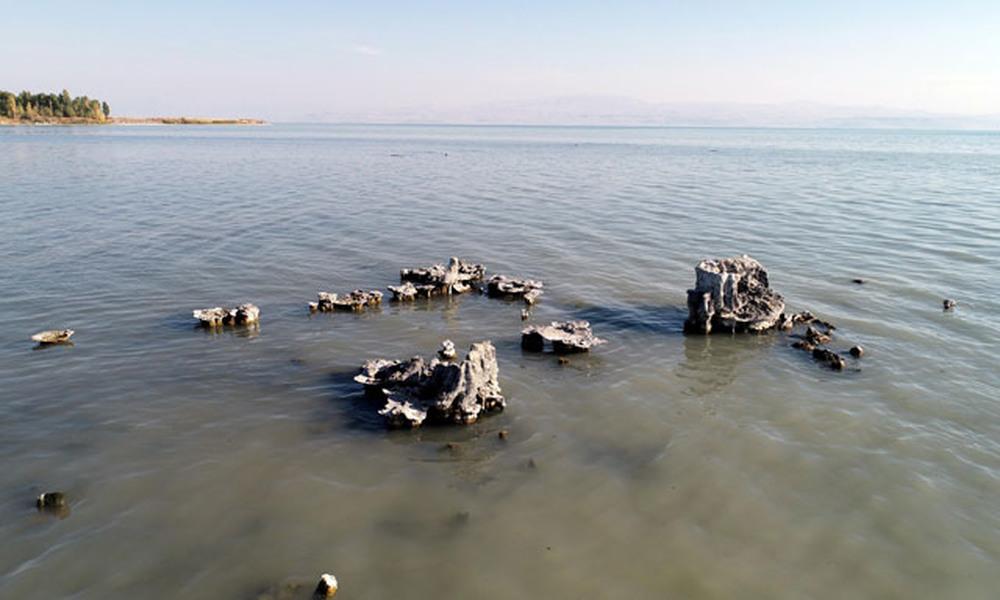 Van Gölü'nde suların geriye çekilmesiyle mikrobiyalitler ortaya çıktı