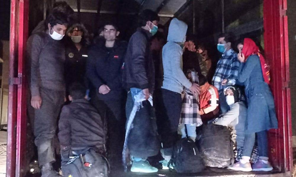 TIR'ın dorsesinde 210 kaçak göçmen yakalandı: Şoför gözaltına alındı