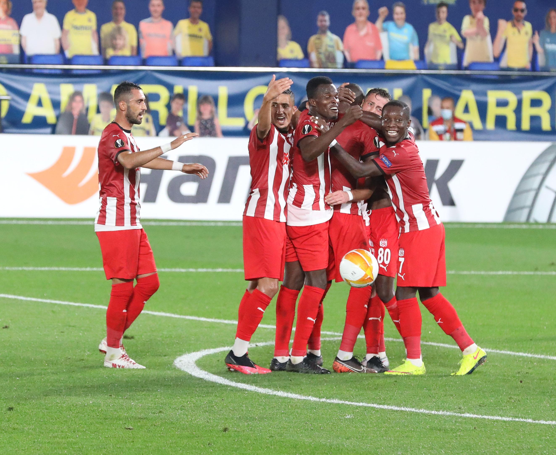 Sivasspor Villarreal'e karşı verdiği mücadeleyi kaybetti